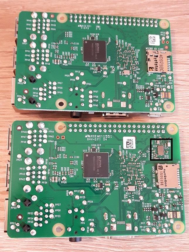 Raspberry Pi 2 Model B (oben) vs. Raspberry Pi 3 Model B (unten), Rückseite