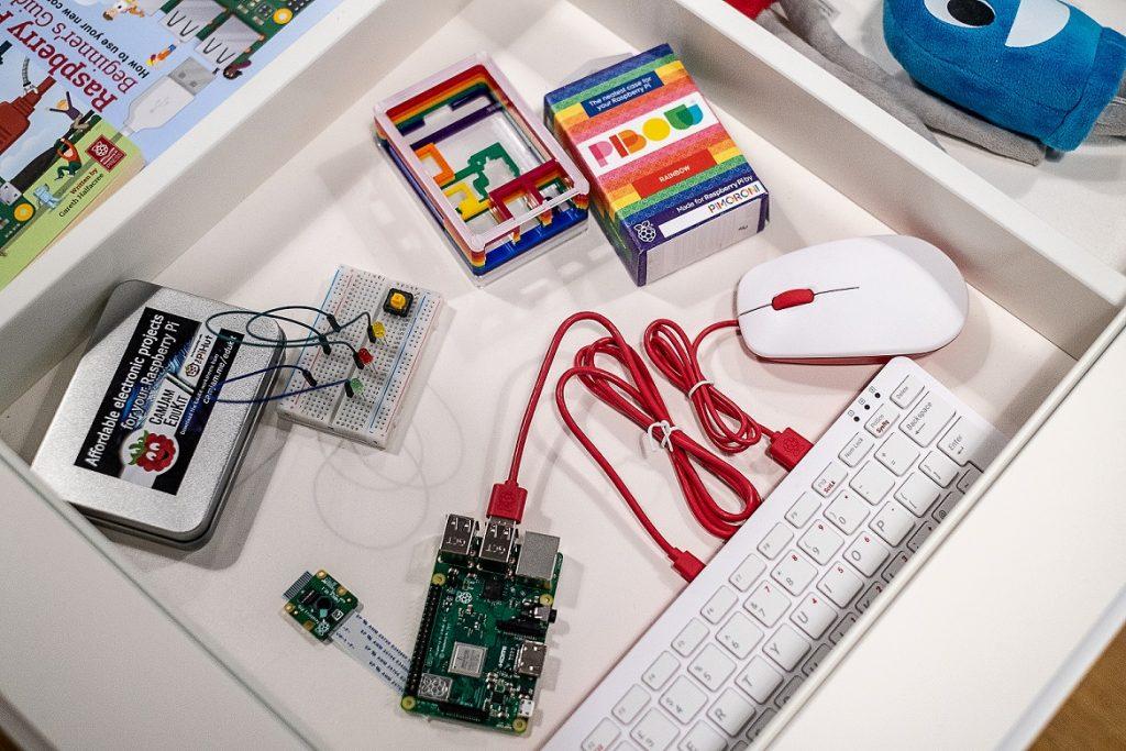 Raspberry Pi Zubehör (Bild: Raspberry Pi Foundation)